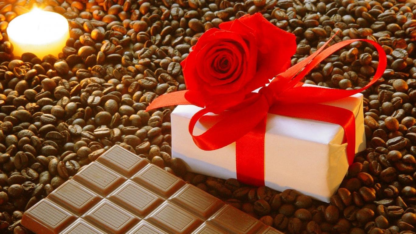Как красиво подарить шоколадку?