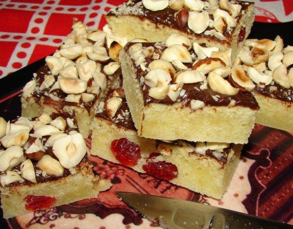 Готовый брауни с белым шоколадом