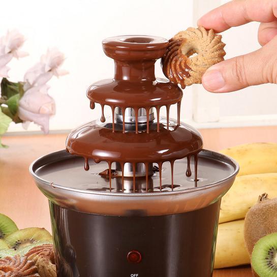 Небольшой шоколадный фонтан