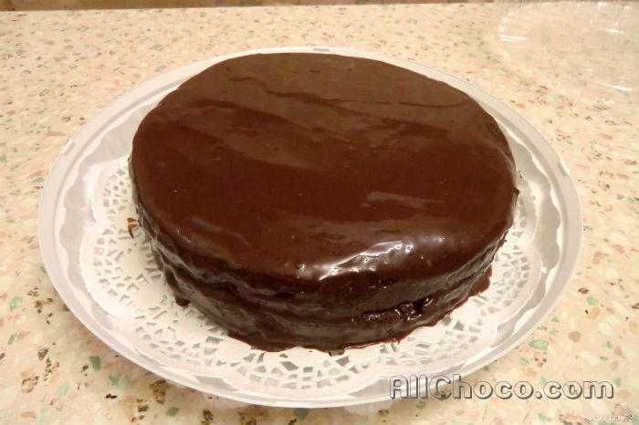 Торт залитый шоколадом
