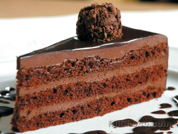 Трюфельный торт в резрезе