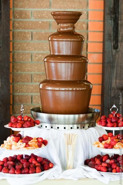 Шоколадный фонтан напрокат