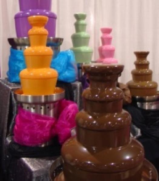 Оранжевый, зеленый и другие шоколадные фонтаны