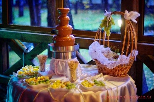 Коммерческий шоколадный фонтан