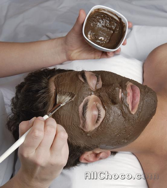 Как наносить шоколадную маску на лицо