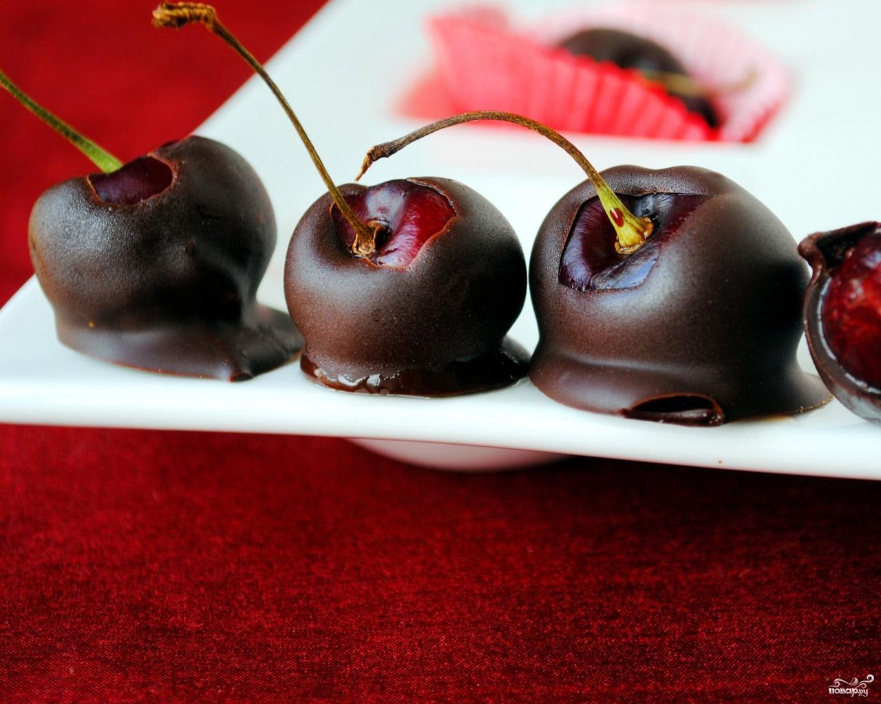 Вишня в шоколаде: 4 рецепта