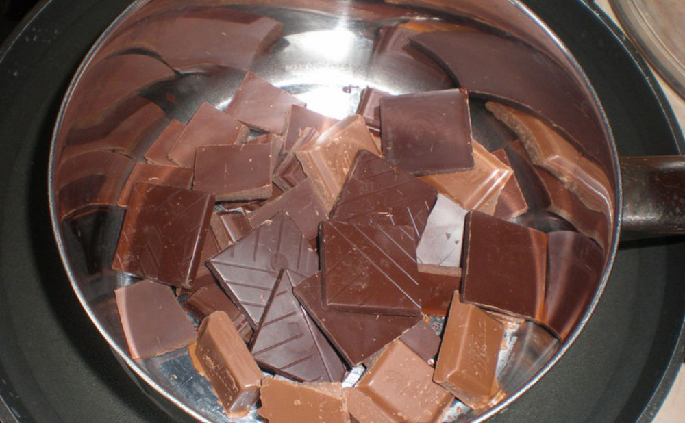 Как растопить шоколад на водяной бане?