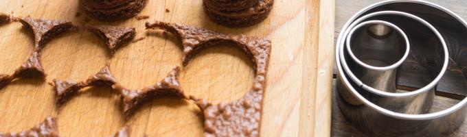 Шоколадные пирожные с глазурью рецепт