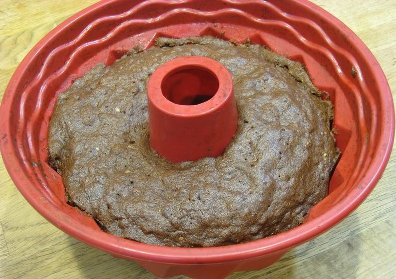 Шоколадный кекс в силиконовой форме