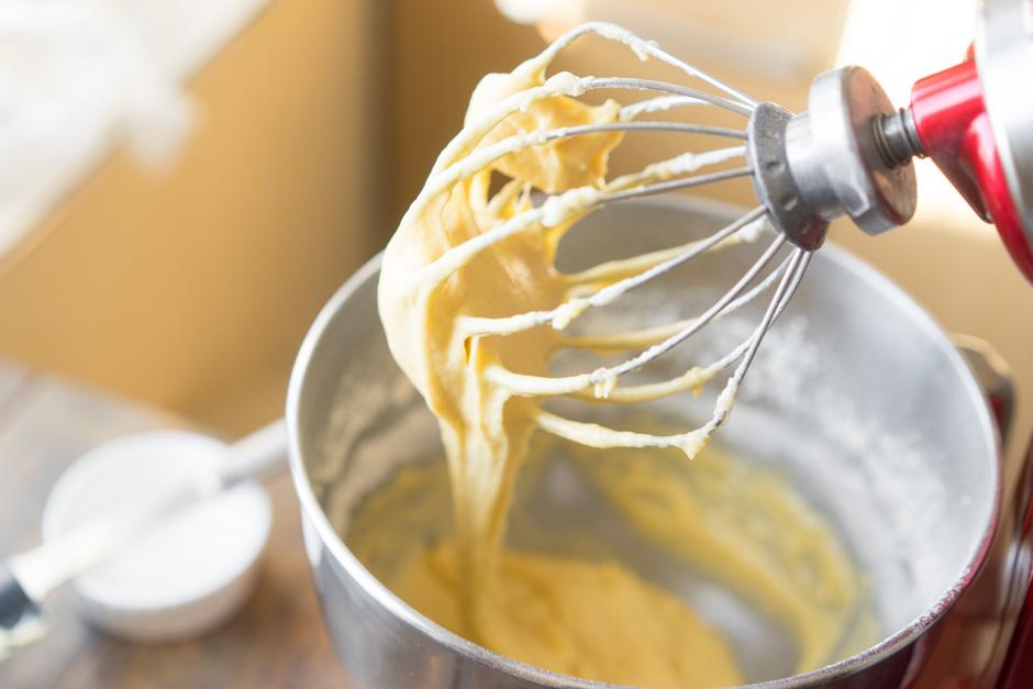 Тесто для кекса, взбитое миксером