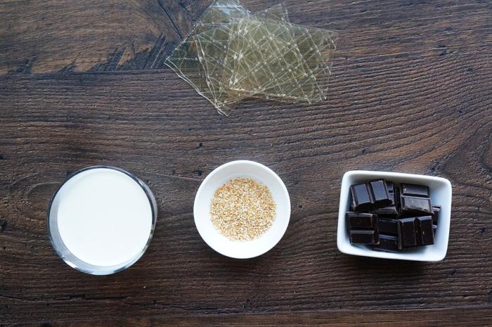 Желатин, сливки, лимонная цедра и шоколад