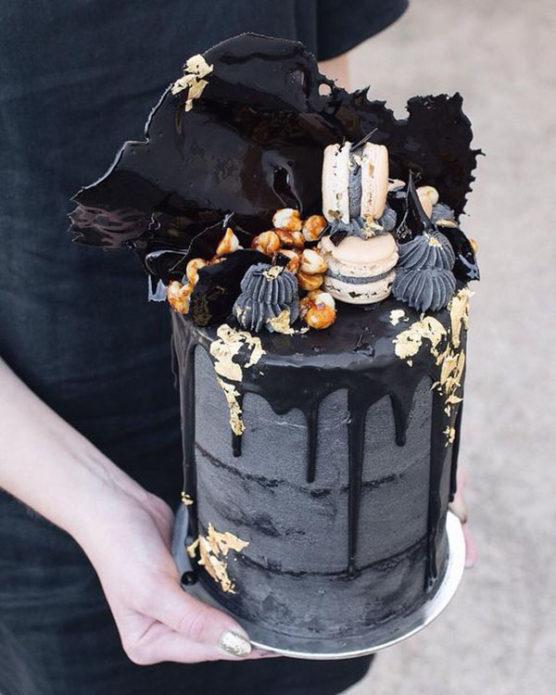 Черный мужской торт