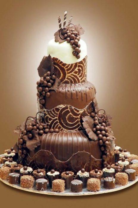 Торт с виноградом из шоколада? - Пожалуйста!
