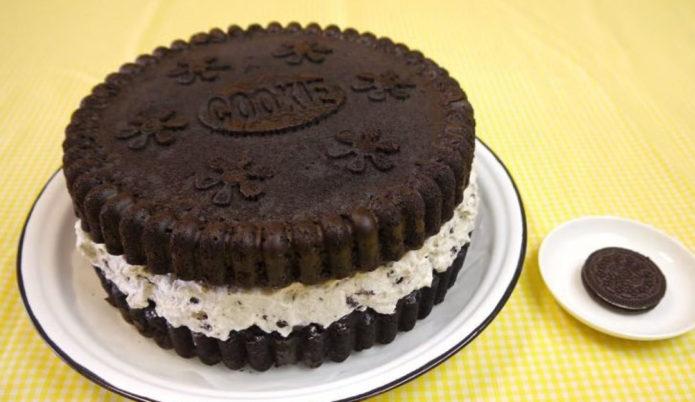 Торт «Орео» в виде печенья