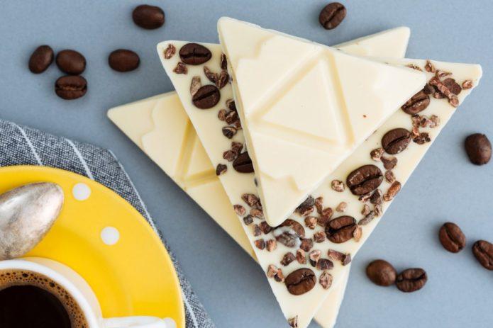Десертный белый шоколад с кофейными зёрнами