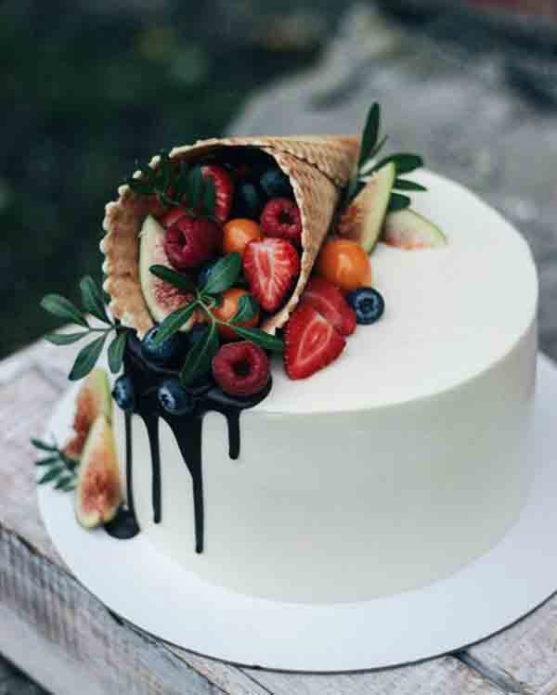 Торт с рожком