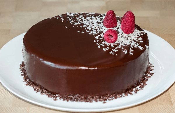 Торт «Баунти» с ягодами