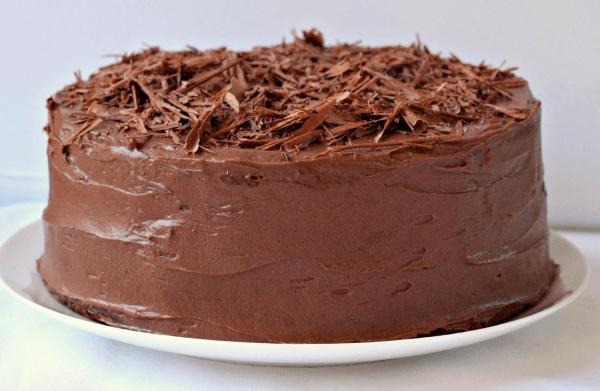 Торт «Баунти» с крупной шоколадной стружкой
