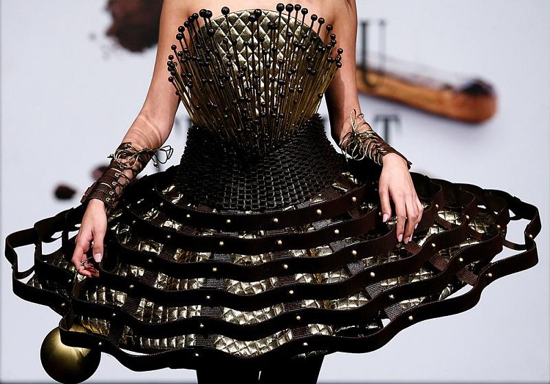 Шоколадная мода, или 15 примеров одежды из шоколада