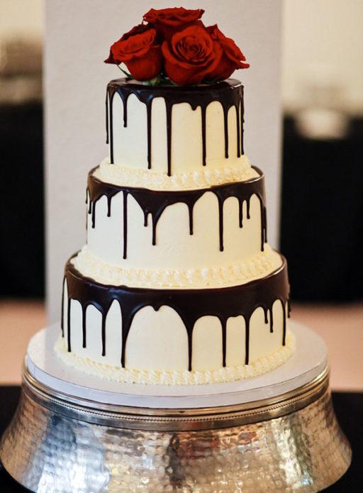 Высокий свадебный торт