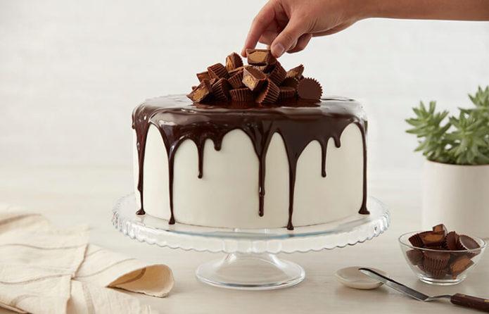 Украшение готового торта