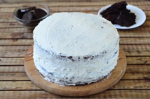 Промазывание торта кремом