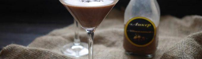 Коктейль с шоколадным ликёром
