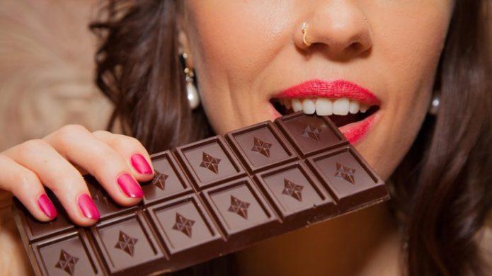 Кому нельзя есть шоколад