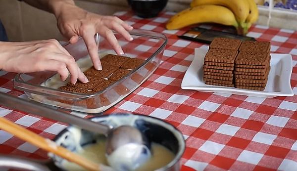 Выкладка торта слоями