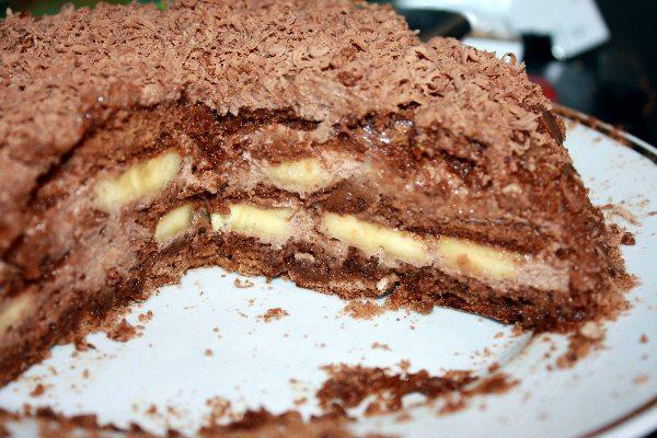 Торт из бананов и пряников без выпечки