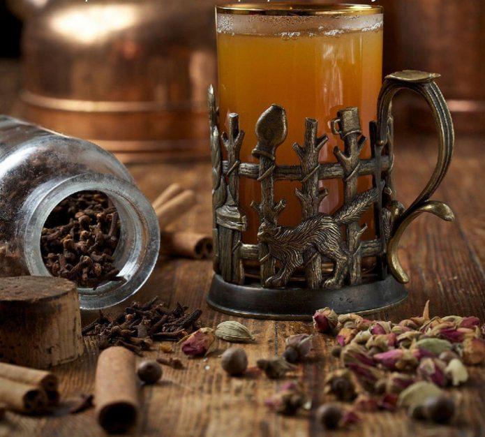 Зимний напиток — «русский сбитень»