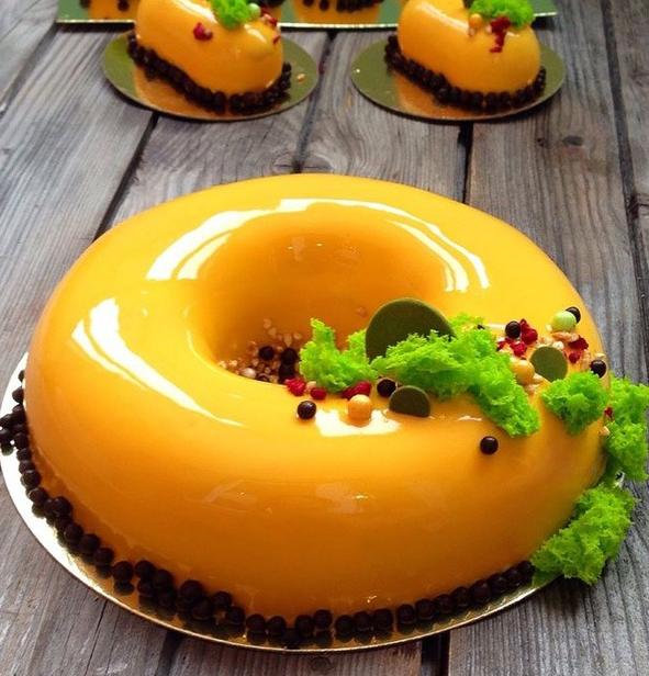 желтый пончик