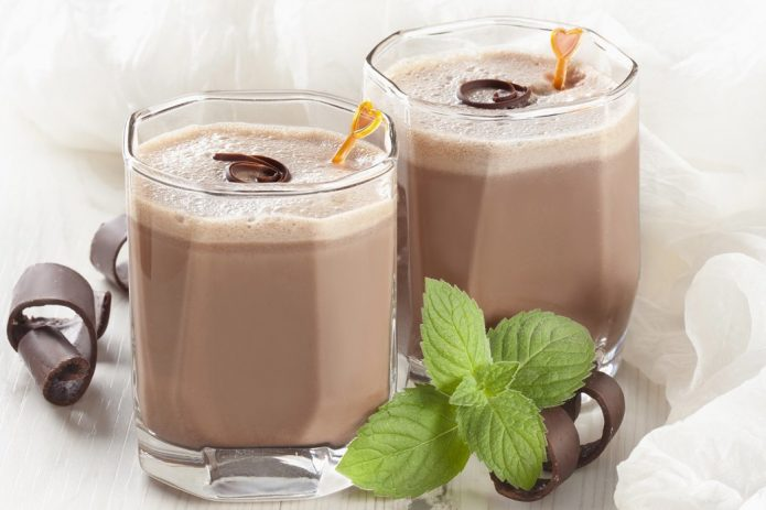 Молочный коктейль с шоколадом