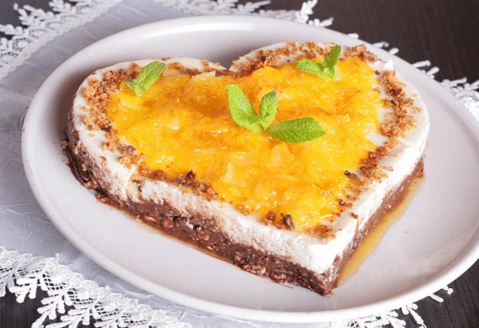 Апельсиновый торт в форме сердца