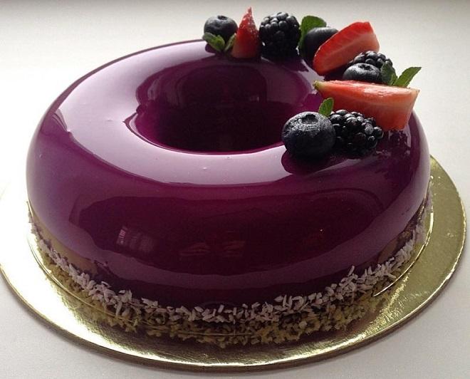 Торт в зеркальной глазури