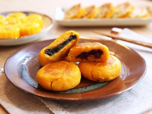 Пирожки с бобовой пастой