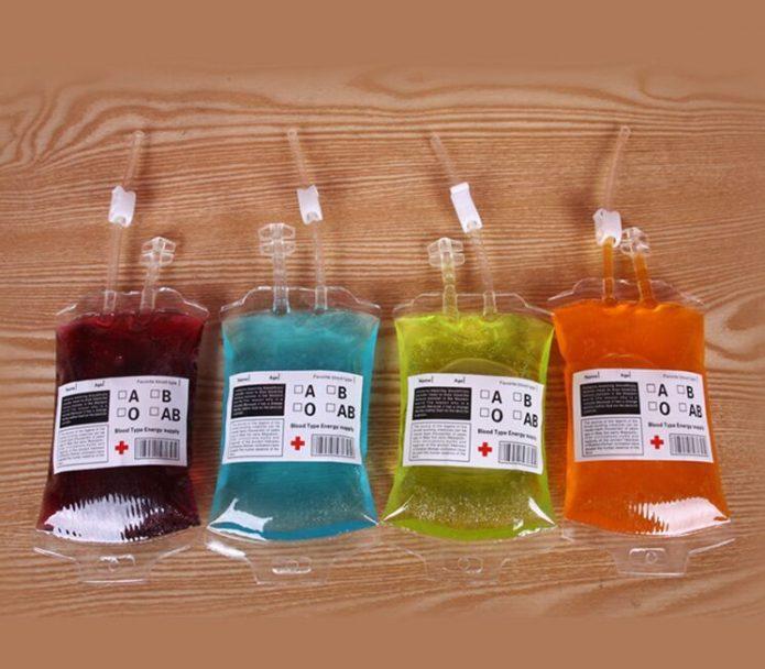 Жидкие леденцы в пакетиках для крови