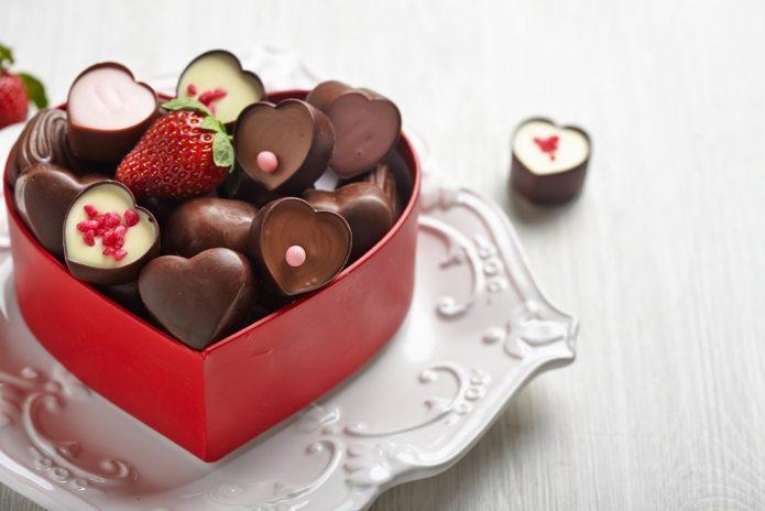 Конфетки в виде сердечек
