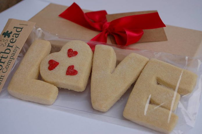 Печенье в форме букв