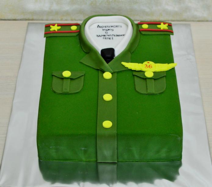 Торт в виде военной формы