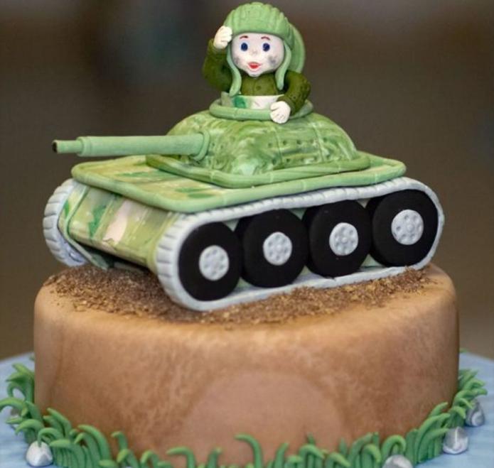 Военный на танке