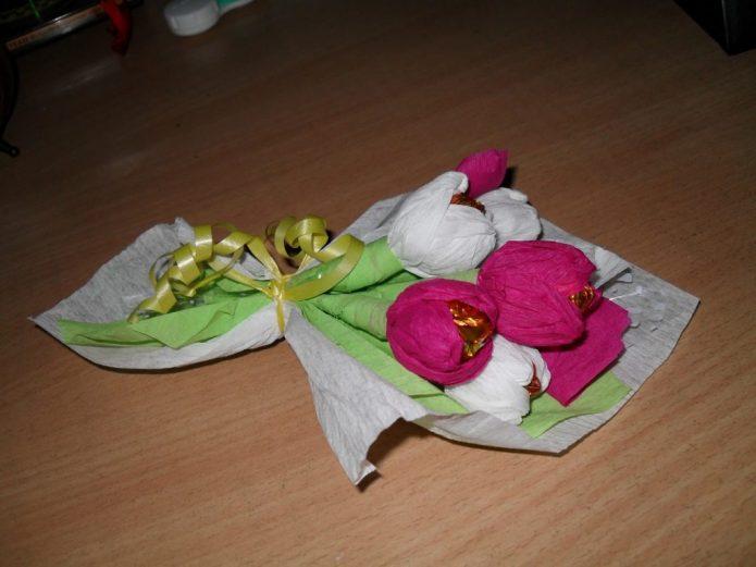 Мини-букет из конфет