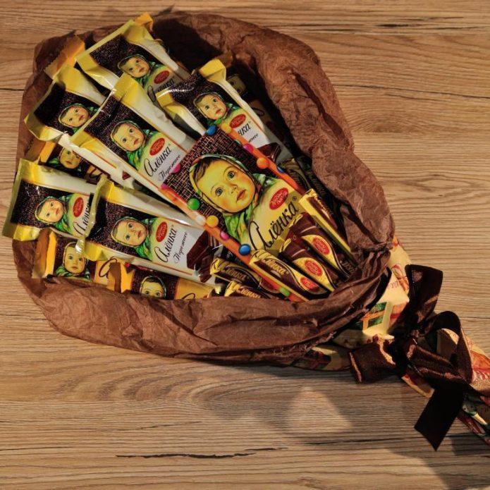 Букет из шоколадок «Алёнка»