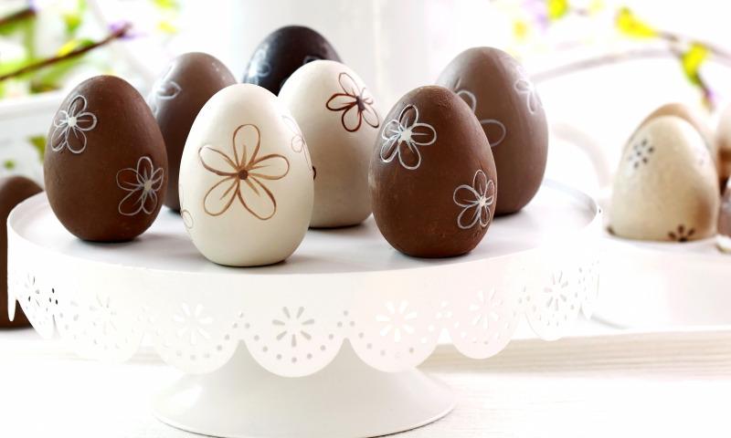 Не Киндер, но сюрприз: как приготовить шоколадные яйца на Пасху