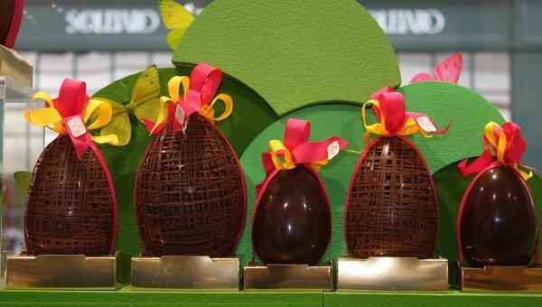 Большие шоколадные яйца