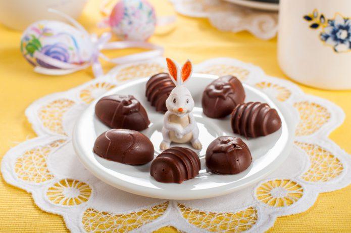 Шоколадные яйца-пирожные