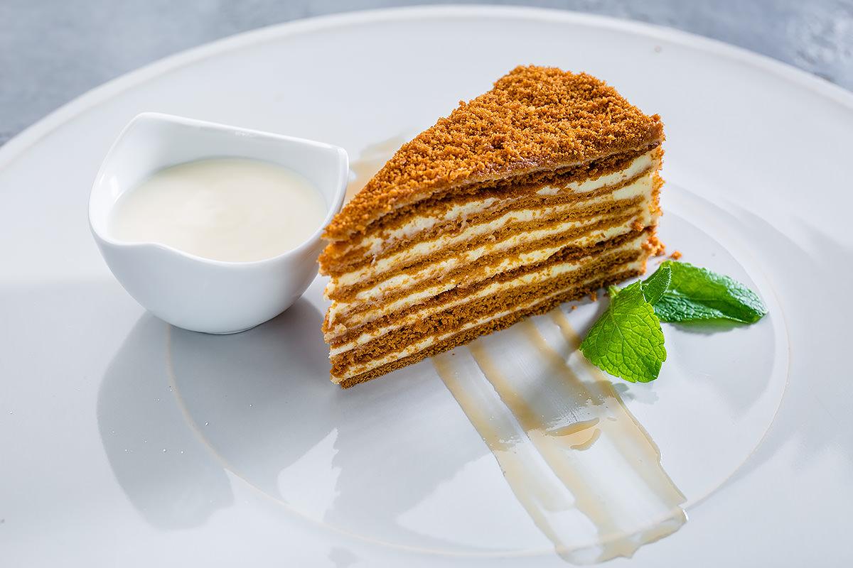 Тест для настоящих ценителей сладенького: угадайте торт по фото