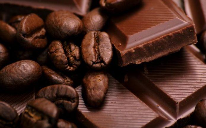Шоколад и зёрна кофе