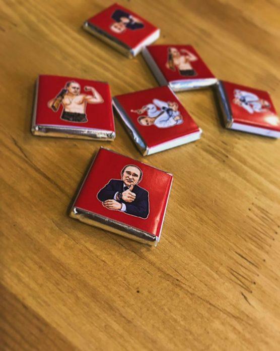 В России выпустили шоколад с цитатами Путина