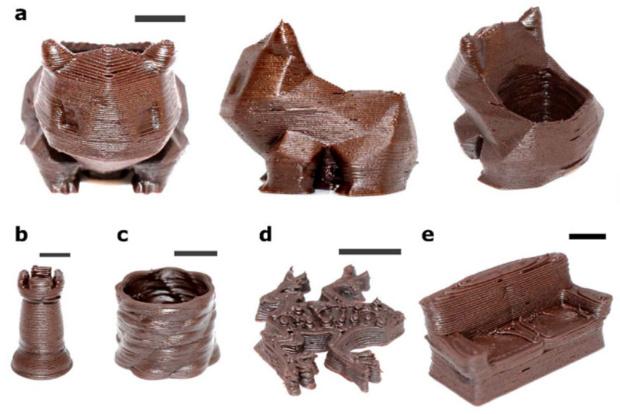 На 3D-принтере напечатали шоколадную конфету с жидкой начинкой